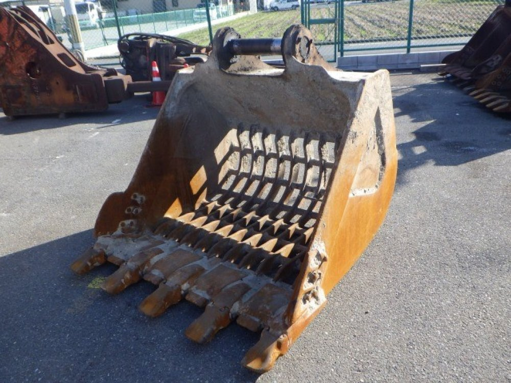 SKELETON BUCKET used attachment
