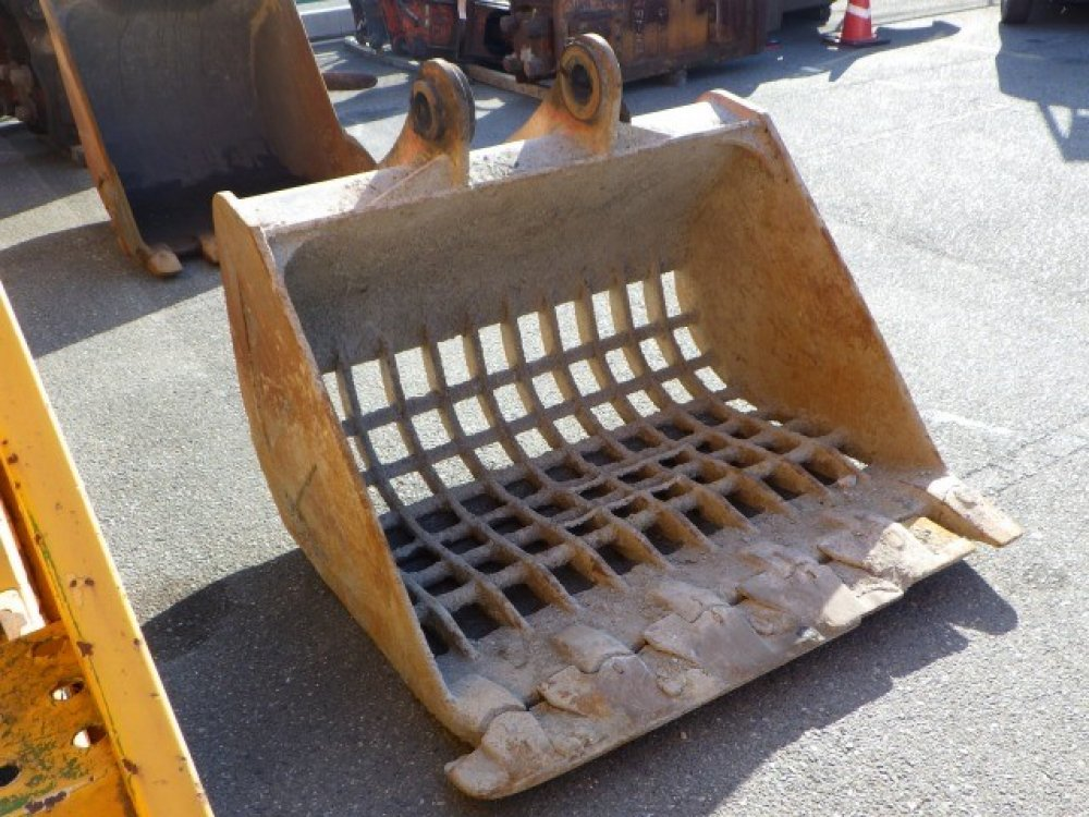WIDE SKELETON BUCKET used attachment